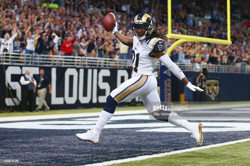 Dallas Cowboys v St. Louis Rams : News Photo