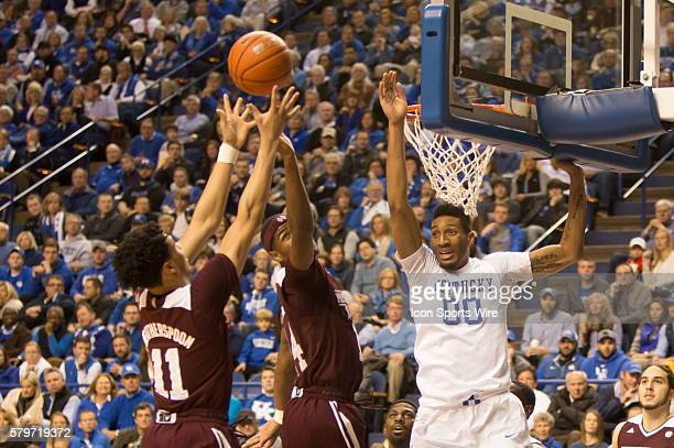 Mississippi State Bulldogs guard Quinndary Weatherspoon shoots as Kentucky Wildcats forward Marcus Lee tries to block during the 1st half of the NCAA...