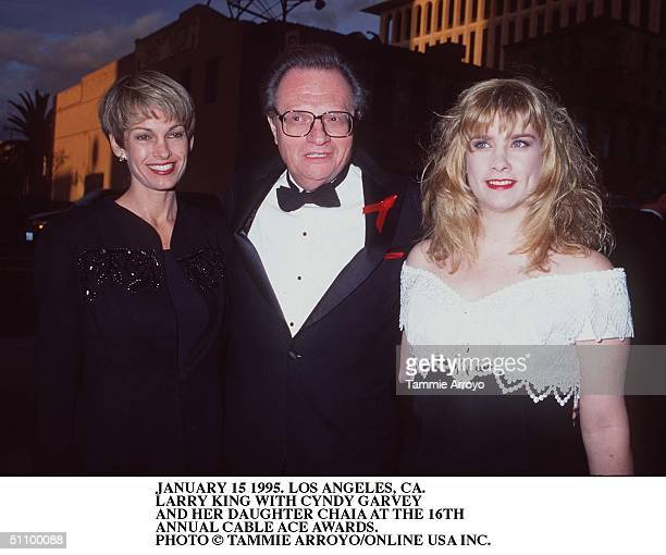 January 15 1995Los Angeles Ca Larry King Wuth Cyndy Garvey And Her Daughter At The Cable Ace Awards