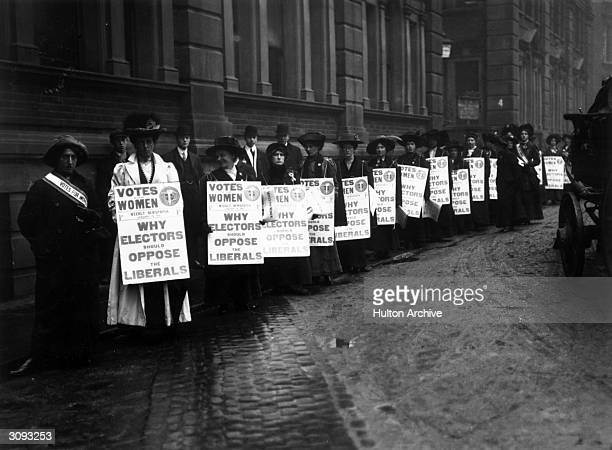 Suffragettes campaigning in London against the Liberal Party during the first election of 1910.