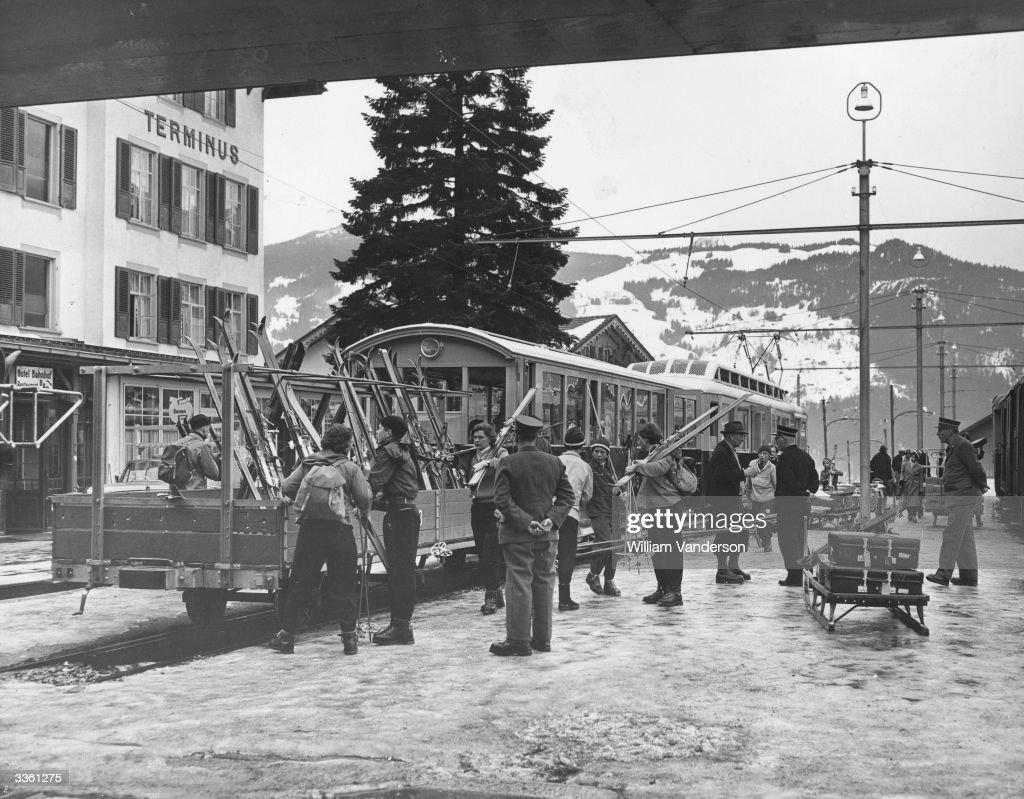 Ski Train : News Photo