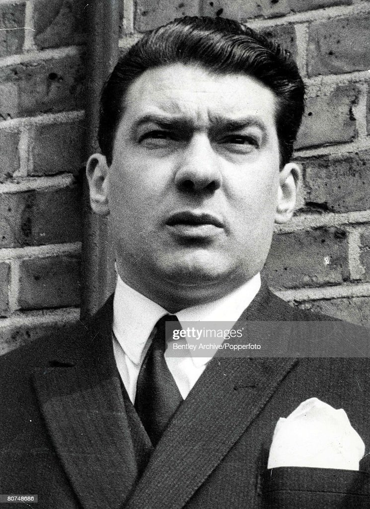 January 1969 A portrait of Ronald Kray, aged 34, who with his twin brother Reginald, and elder brother Charles, figure in the case towards their imprisonment at the Old Baily, London. : Foto jornalística