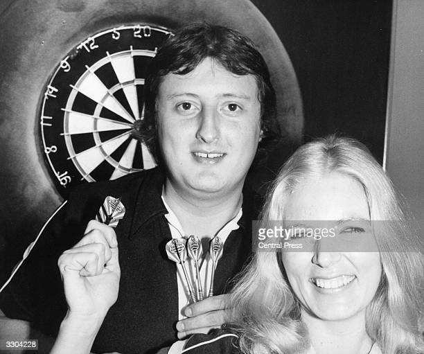 Maureen Flowers smiles with Eric Bristow 'the Crafty Cockney' British Darts World champion She was among the main contenders for the Ladies British...