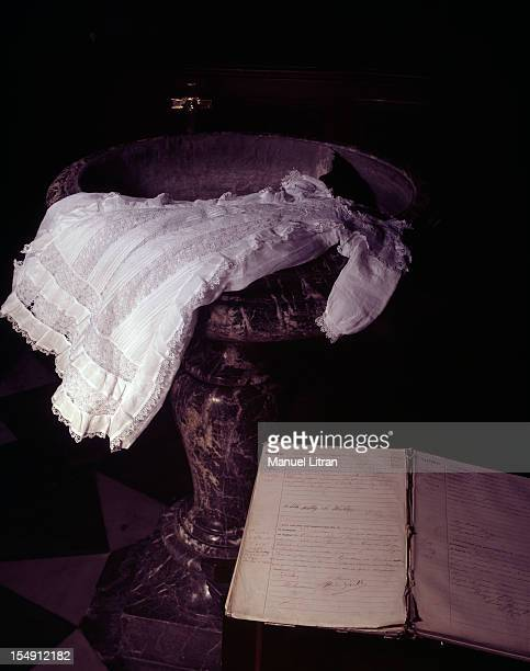 January 1995 evocation of General de Gaulle The christening gown from the General de Gaulle Retained in his birthplace and the act of baptism signed...