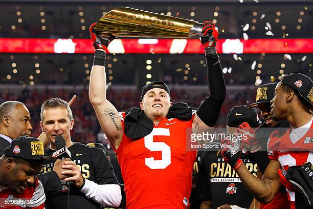 Ohio State Buckeyes linebacker Raekwon McMillan lifts the trophy following the Ohio State Buckeyes game versus the Oregon Ducks in the College...