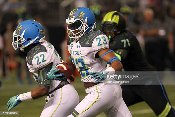 Team Highlight linebacker Darrell Williams runs with the ball after intercepting a pass during the 2015 Under Armour AllAmerica Game at Tropicana...