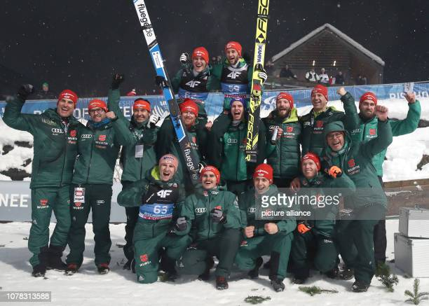 Nordic skiing / ski jumping World Cup Four Hills Tournament Großschanze Men Final Group photo of the ski jumpers from Germany with second placed...