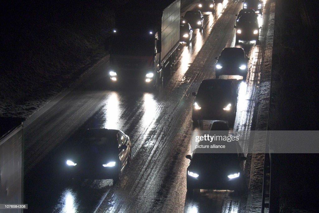 Slippery roads cause accidents in the southwest : Fotografía de noticias