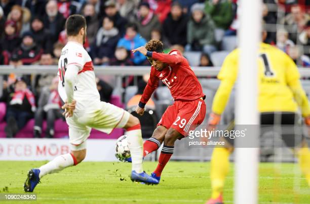 Soccer Bundesliga Bayern Munich VfB Stuttgart 19th matchday in the Allianz Arena Kingsley Coman of Bavaria shoots the ball while the goalkeepers of...