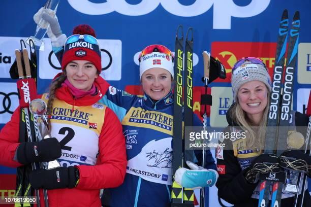 Nordic skiing / crosscountry skiing World Cup Tour de Ski 10 km pursuit freestyle ladies Second placed Natalia Neprjajewa from Russia winner Ingvild...