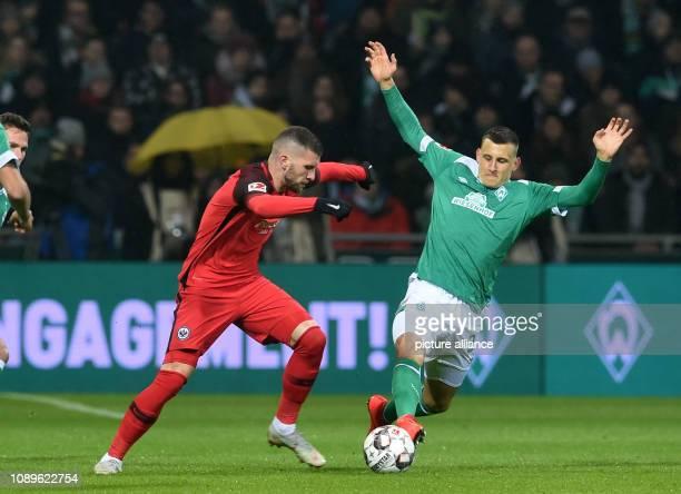 Soccer Bundesliga Werder Bremen Eintracht Frankfurt 19th matchday Werder Maximilian Eggestein fights against Frankfurt's Ante Rebic for the ball...