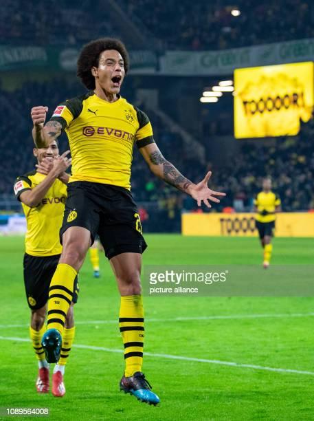26 January 2019 North RhineWestphalia Dortmund Soccer Bundesliga Borussia Dortmund Hannover 96 19th matchday at Signal Iduna Park Dortmund's scorer...