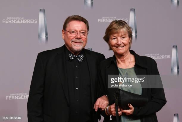 31 January 2019 North RhineWestphalia Düsseldorf Entertainer Jürgen von der Lippe and his wife Anne Dohrenkamp come to the German Television Award...