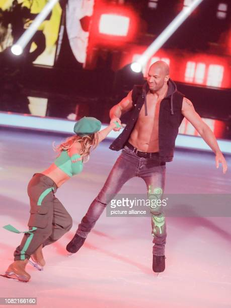 13 January 2019 North RhineWestphalia Köln Detlef Soost dance and fitness coach and Kat Rybkowski figure skater are on the ice in the live SAT1 show...
