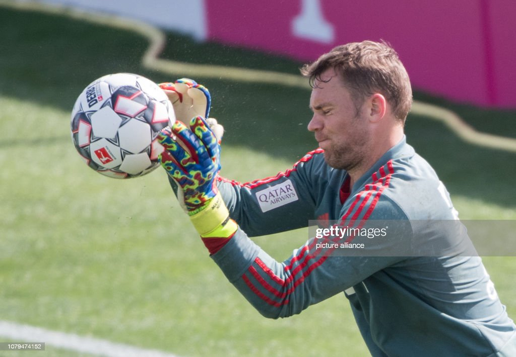 Training camp FC Bayern Munich in Doha : News Photo