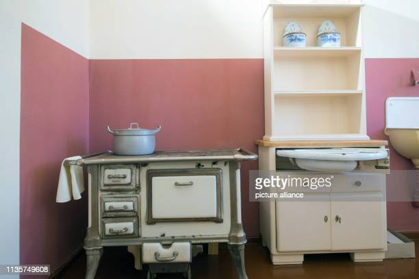 31 January 2019 SaxonyAnhalt Magdeburg A kitchen in the Musterwohnung neues Bauen 1926 The apartment is located at BeimsPlatz at the edge of the...