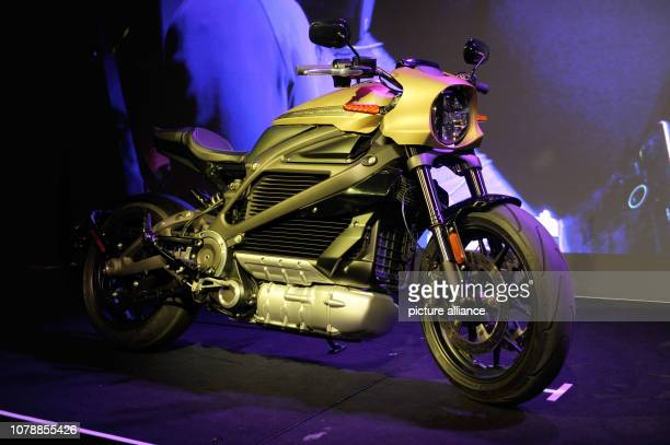 Harley Davidson presents its first electric motorcycle at the CES technology fair The LiveWire model comes from zero to 60 miles per hour in 35...