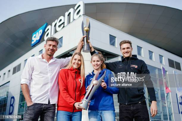 30 January 2020 BadenWuerttemberg Mannheim Volleyball DVV Cup press conference SAP Arena Björn Andrae from the power volleys Düren Mareen from Römer...