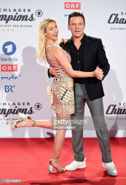 Stefan Mross and AnnaCarina Woitschack come to the show Schlagerchampions The big party of the best Photo Britta Pedersen/dpaZentralbild/dpa