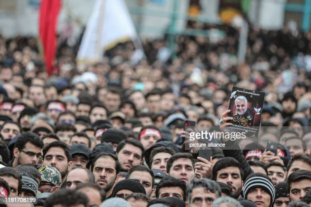 Iranians take part in a mourning rally at Felestin Square in honour of Qassem Soleimani commander of the elite Quds Force of the Iranian...