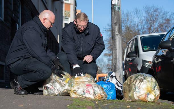 DEU: Waste Investigators In Action