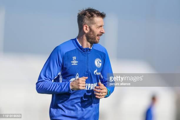January 2020, Spain, Fuente Alamo: Football: Bundesliga, training camp FC Schalke 04. Schalke's Guido Burgstaller completes a running unit. Photo:...