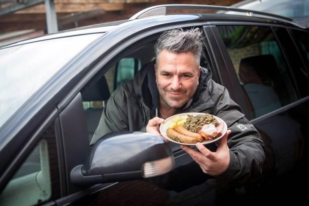 DEU: Kale Taxi Defies Corona Lockdown