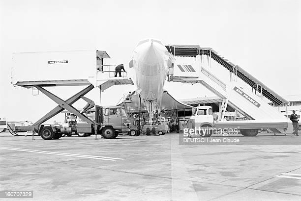 January 21st First Concorde Commercial Flight Paris Dakar Rio De Janeiro A Rio de Janeiro sur l'aéroport vue de face de l'avion supersonique CONCORDE...
