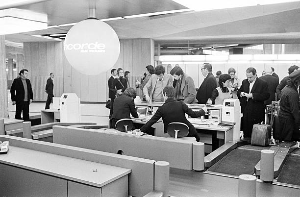 January 21st 1976 first concorde commercial flight - Agent de comptoir aeroport ...