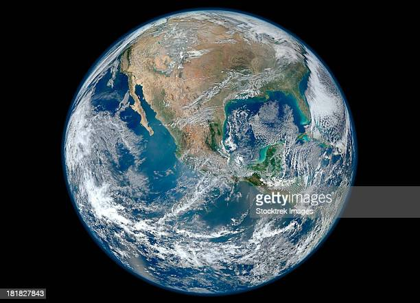 january 4, 2012 - a blue marble image of earth showing north america. - komplett stock-fotos und bilder