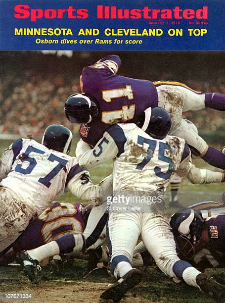 Football NFL Playoffs Minnesota Vikings Dave Osborn in action vs Los Angeles Rams at Metropolitan StadiumBloomington MN CREDIT Neil Leifer