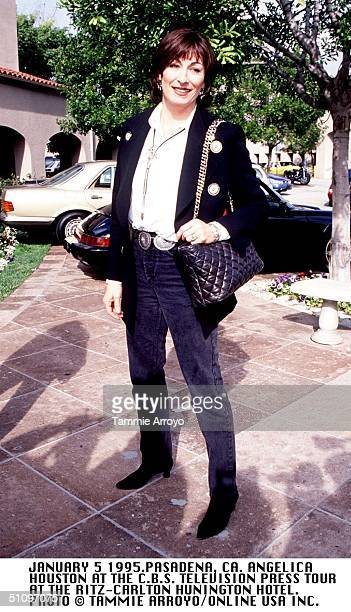 January 5 1994 Pasadena Ca Anjelica Huston At The Cbs Press Television Tour