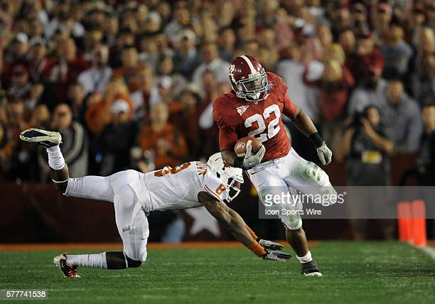Alabama RB Mark Ingram runs with the ball during the Texas Longhorns game versus the Alabama Crimson Tide in the Citi BCS National Championship Game...