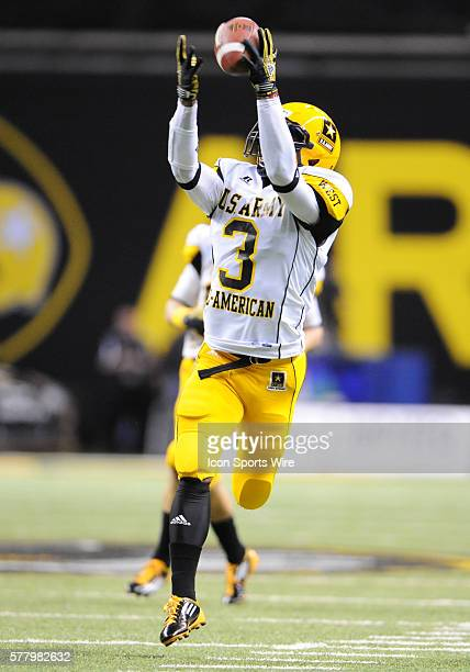 US Army AllAmerican West Team WR George Farmer tries to haul in a pass during the 2011 US Army AllAmerican Bowl Football Game in the Alamo Dome in...