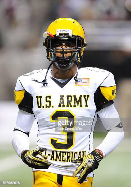 US Army AllAmerican West Team WR George Farmer warms up before the start of the 2011 US Army AllAmerican Bowl Football Game at Alamo Dome in San...