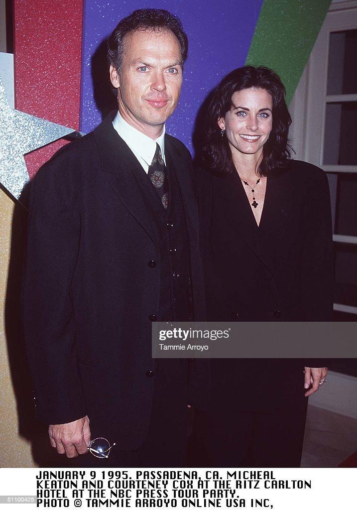 Pasadena Ca Michael Keaton And Courteney Cox At The NBC Press Party Photo Tammie A : Fotografía de noticias