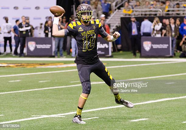 Jacob Eason throwing a pass during the US Army AllAmerican Bowl at the Alamo Dome in San Antonio Texas