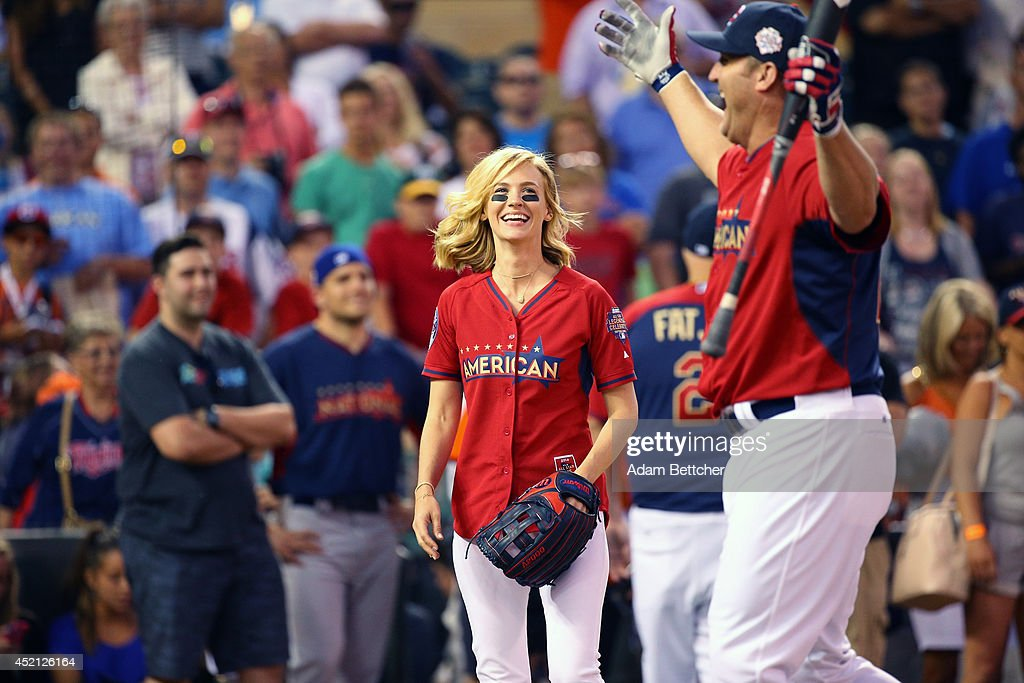 January Jones celebrates at the 2014 MLB All-Star legends and celebrity softball game on July 13, 2014 at the Target Field in Minneapolis, Minnesota.