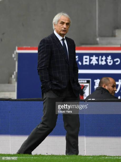 Japan head coach Vahid Halilhodzic looks on during the international friendly match between Brazil and Japan at Stade PierreMauroy on November 10...