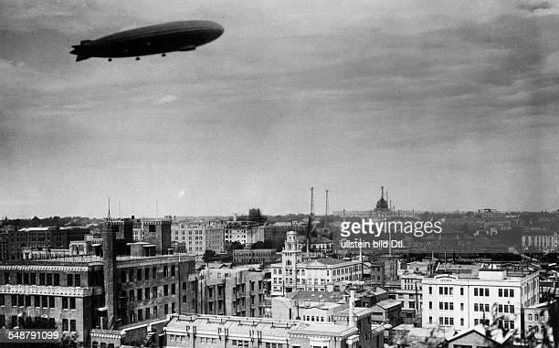 Japan Honshu Tokyo Roundtheworld voyage of the Graf Zeppelin the Zeppelin over Tokyo 1929 Vintage property of ullstein bild