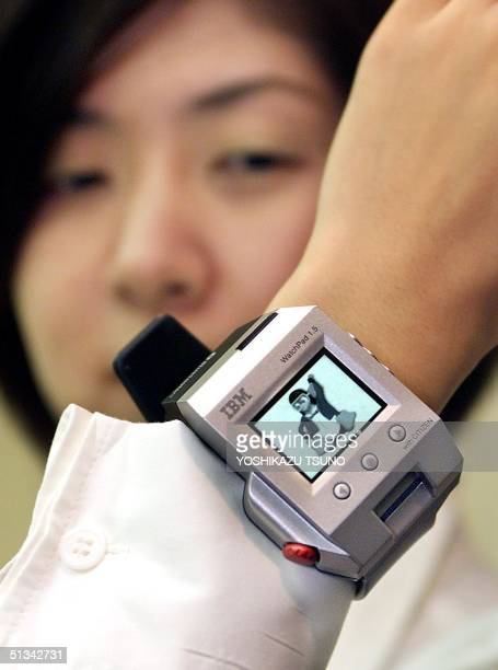 Japan IBM and Citizen Watch unveils a watch shaped wearable PC 'WatchPad' based on the Linux OS measuring 65 x 45 x 16mm and weighing only 43g in...