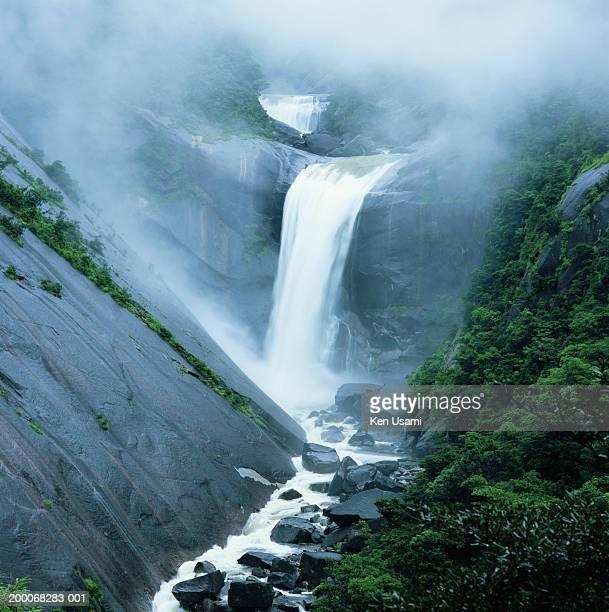 japan, kyushu, yakushima island, senpiro falls - 鹿児島県 ストックフォトと画像