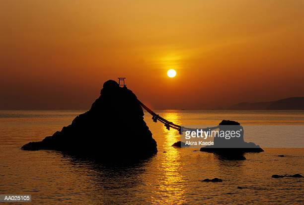 japan, mie prefecture, futami, meoto-iwa rock, sunrise - ise mie stock pictures, royalty-free photos & images