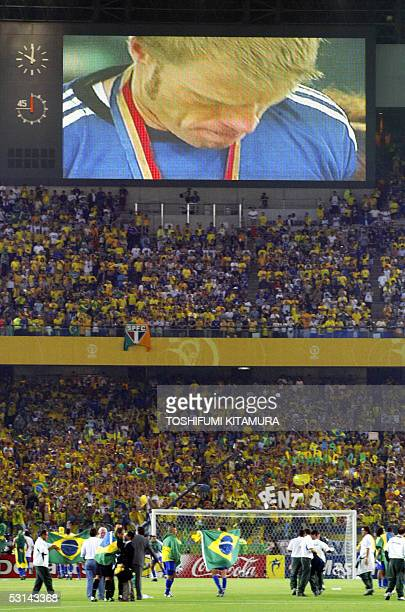 TO GO WITH AFP STORY CONFED GERBRA FILES Picture taken 30 June 2002 at the International Stadium Yokohama shows Germany's team captain and goalkeeper...