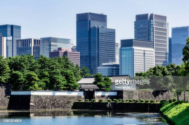 japan, tokyo, chiyoda district, lake in imperial palace area - imperial palace tokyo stock pictures, royalty-free photos & images