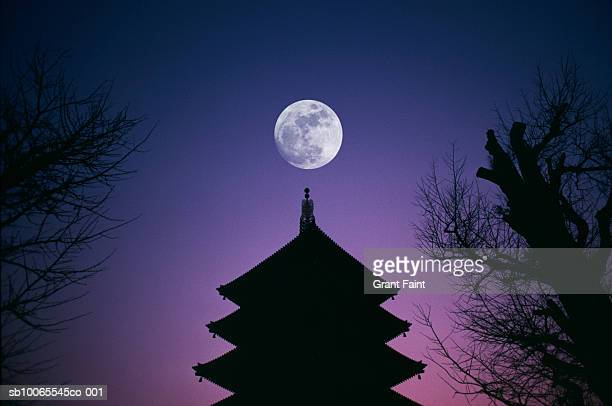 japan, tokyo, full moon over asakusa temple - temple building stock pictures, royalty-free photos & images