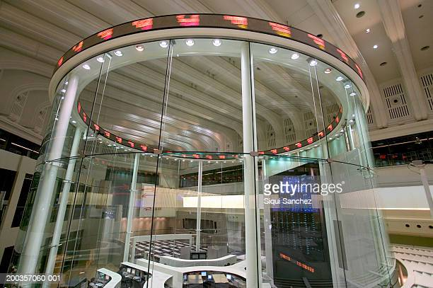 Japan, Tokyo, operations room of the Tokyo Stock Exchange