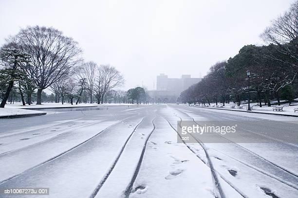 Japan, Tokyo, Park in snow
