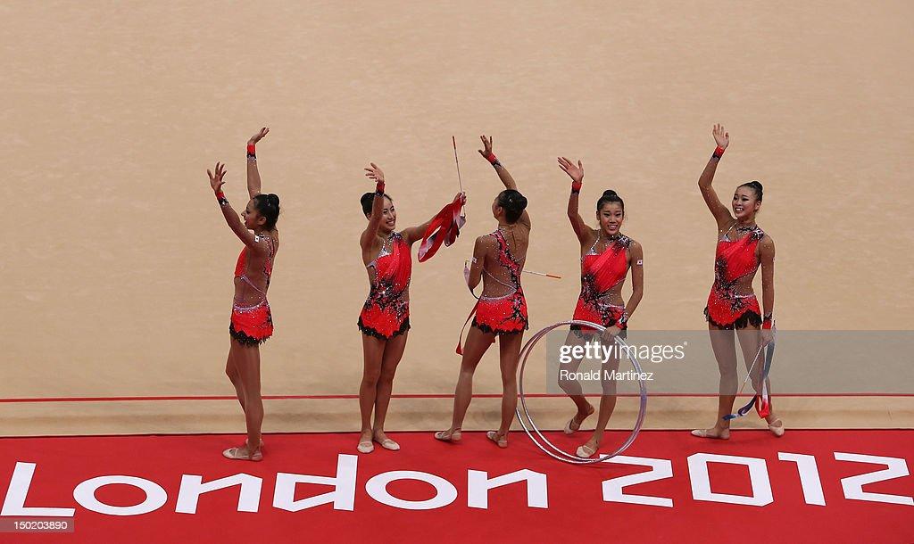 Olympics Day 16 - Gymnastics - Rhythmic : News Photo