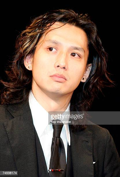 Japanese actor Masanobu Ando promotes the film Sukiyaki Western Django at the Imperial Hotel June 11 2007 in Tokyo Japan The film will open in...